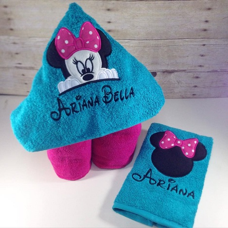 Minnie Hooded Towel Set